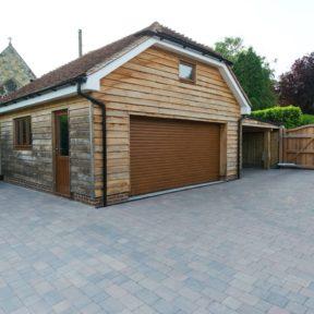 Double garage 1